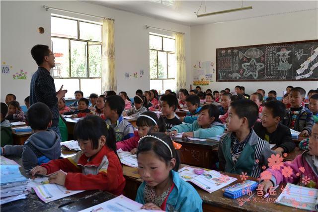 崔永元薛之谦携手为乡村教师点燃梦想